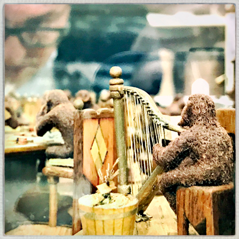gene and the peach pit monkeys
